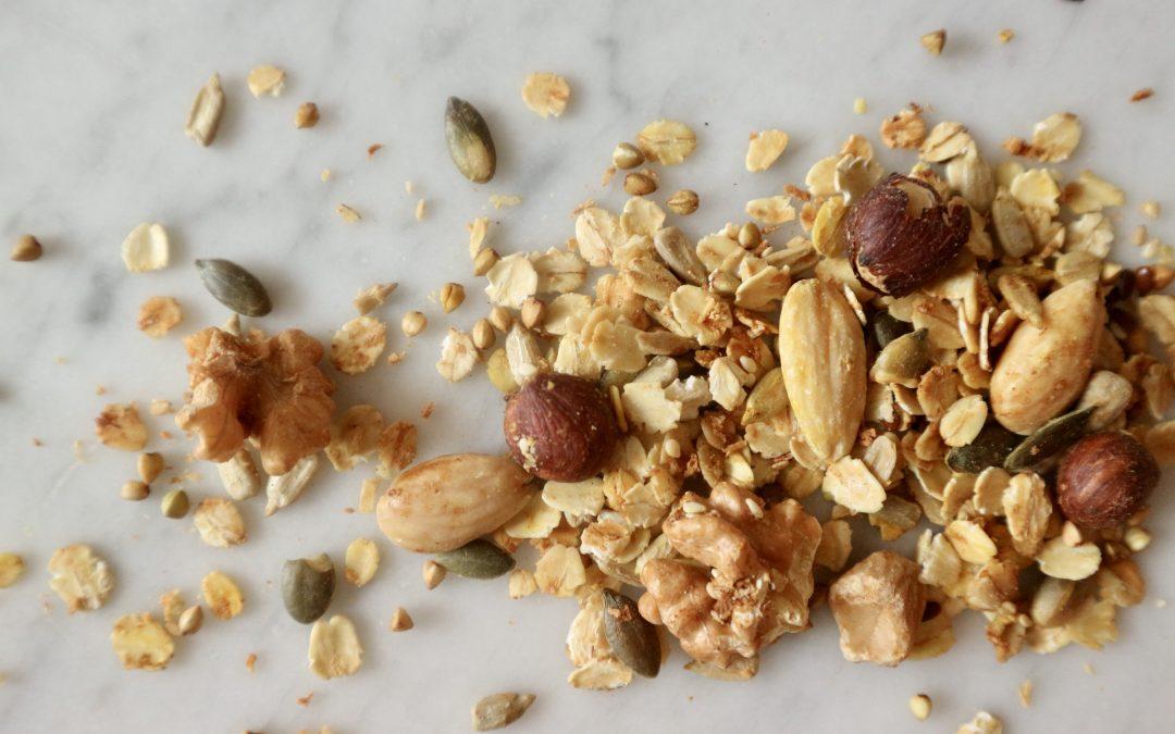 Loudi's granola met koffie, cacao en kaneel