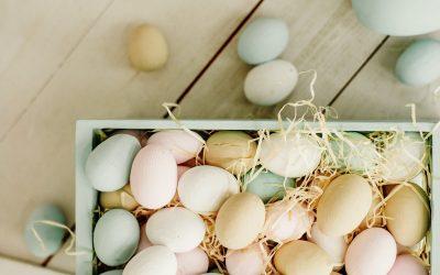 Kleur je eieren met natuurlijke kleurstoffen deze Pasen