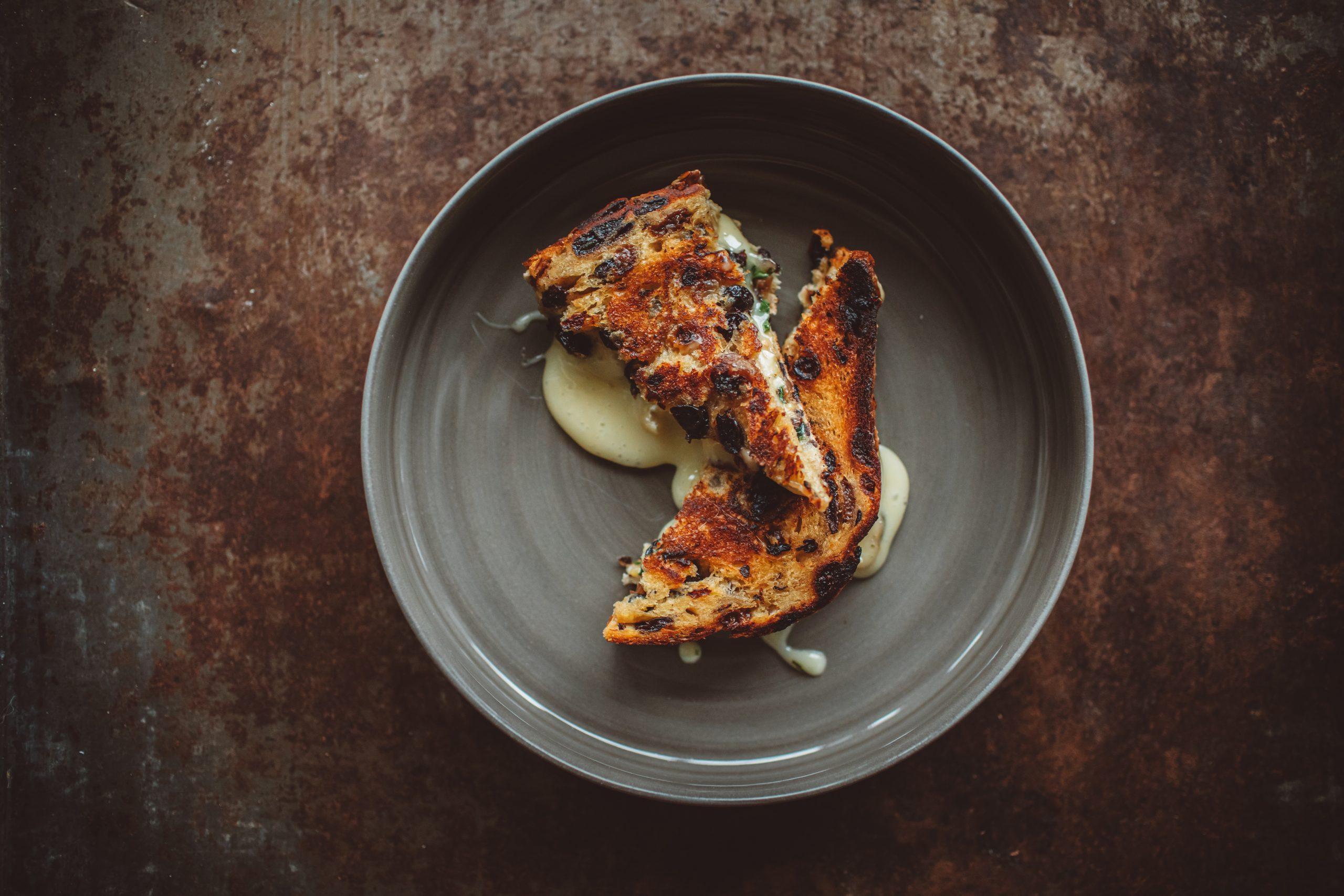 Krentenbrood tosti